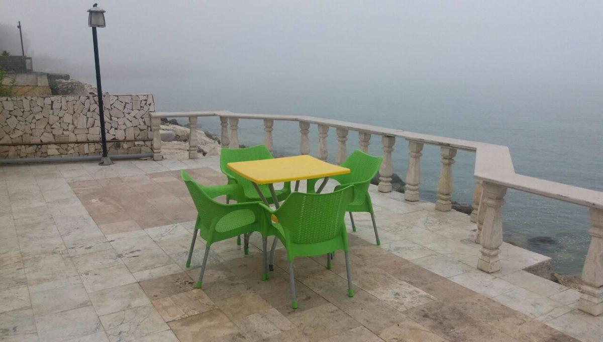 تراس رو به دریا نوشهر
