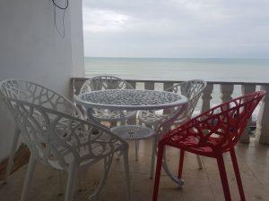 تراس رو به دریا ویلا استخردار 3خوابه نوشهر